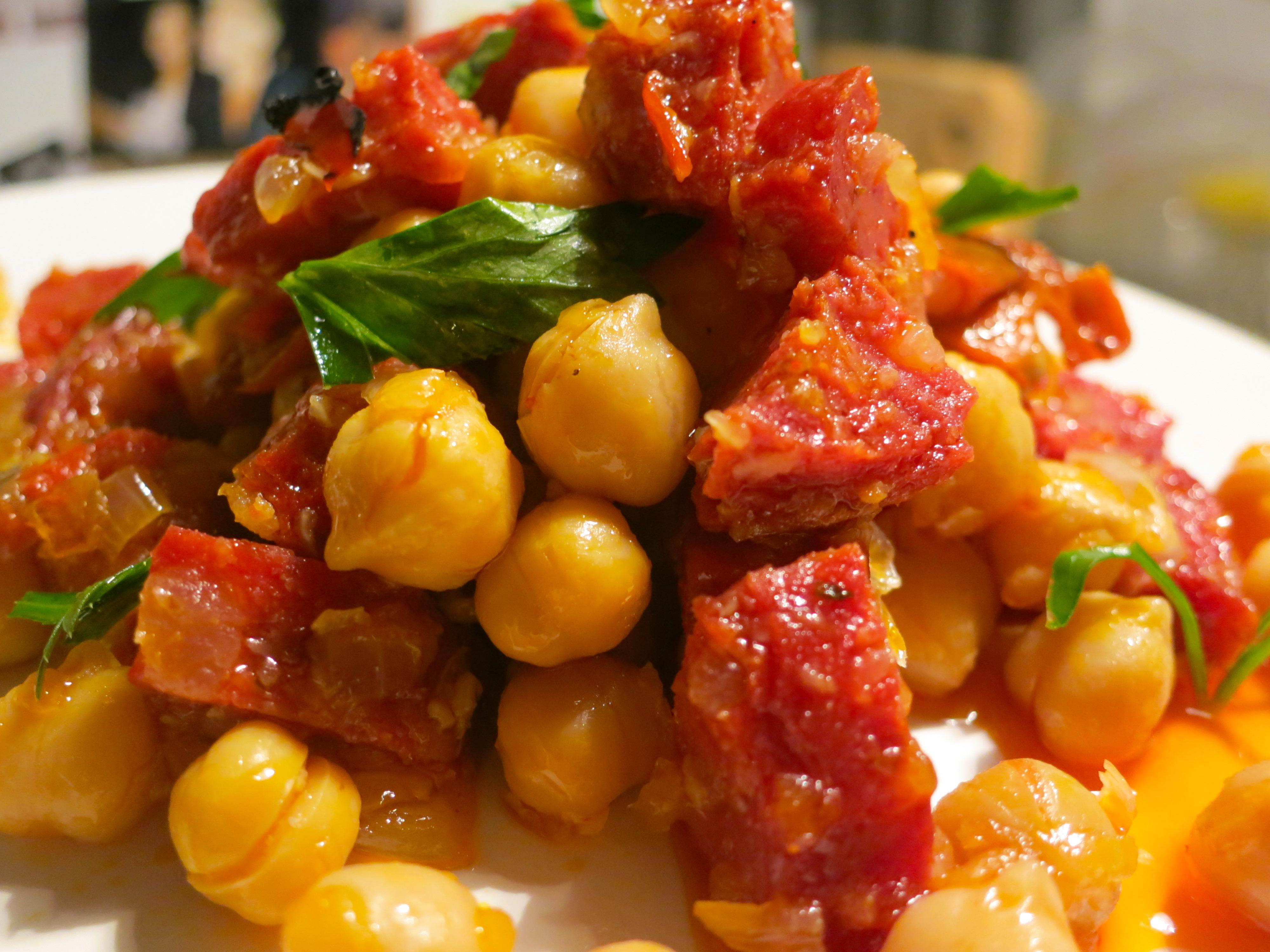 chickpeas with chorizo , garbanzos con chorizo , Spanish food , tapas