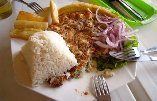 Tortilla de Mariscos en Perú